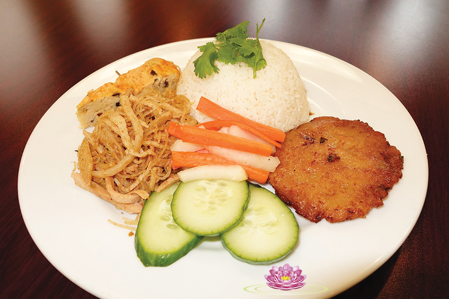 R01. Vegetarian 3 items with rice